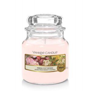 Yankee Candle Fresh Cut Roses - mała świeca zapachowa - candlelove