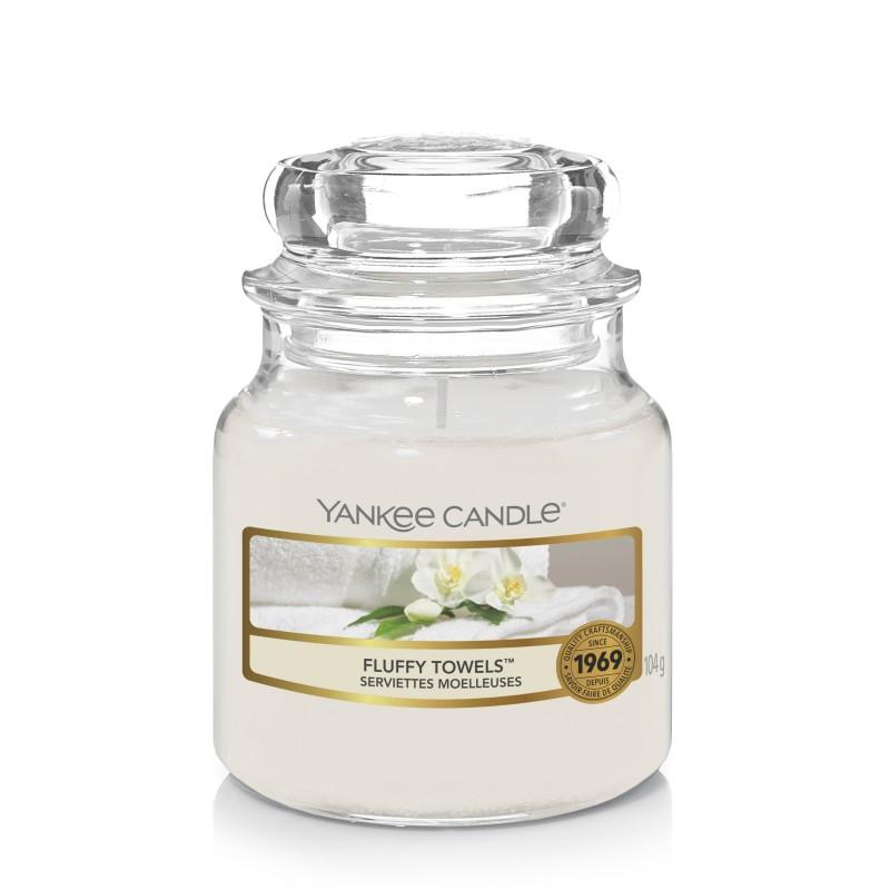 Yankee Candle Fluffy Towels - mała świeca zapachowa - e-candlelove